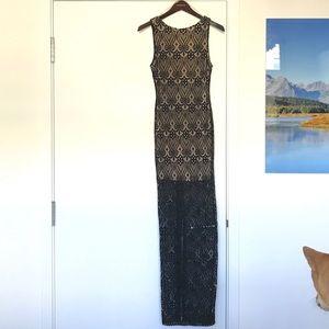 [WINDSOR{ Black/Nude Lace, open back dress, (M)